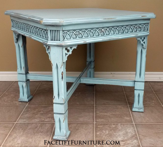 Ordinaire Large Ornate End Table In Robinu0027s Egg Blue With Black Glaze, Distressed  Down To White