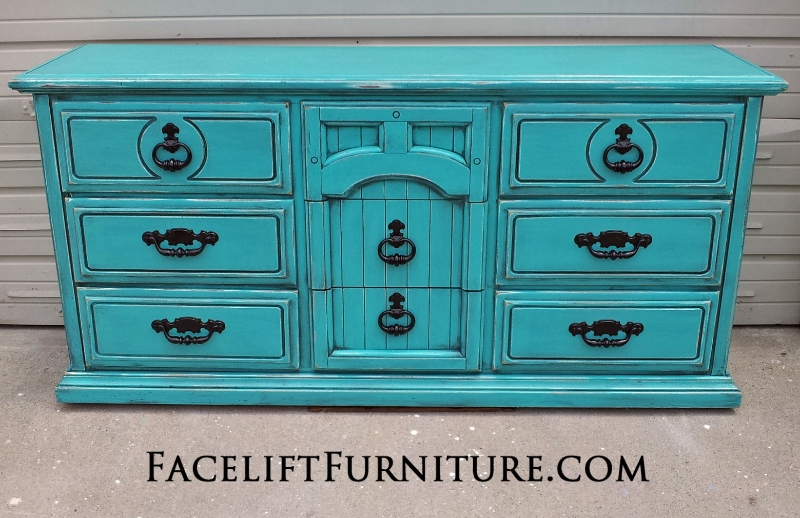 Facelift Furniture