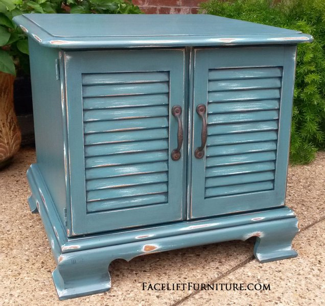 Maple End Table in distressed Sea Blue with Black Glaze. From Facelift Furniture's End Tables collection.